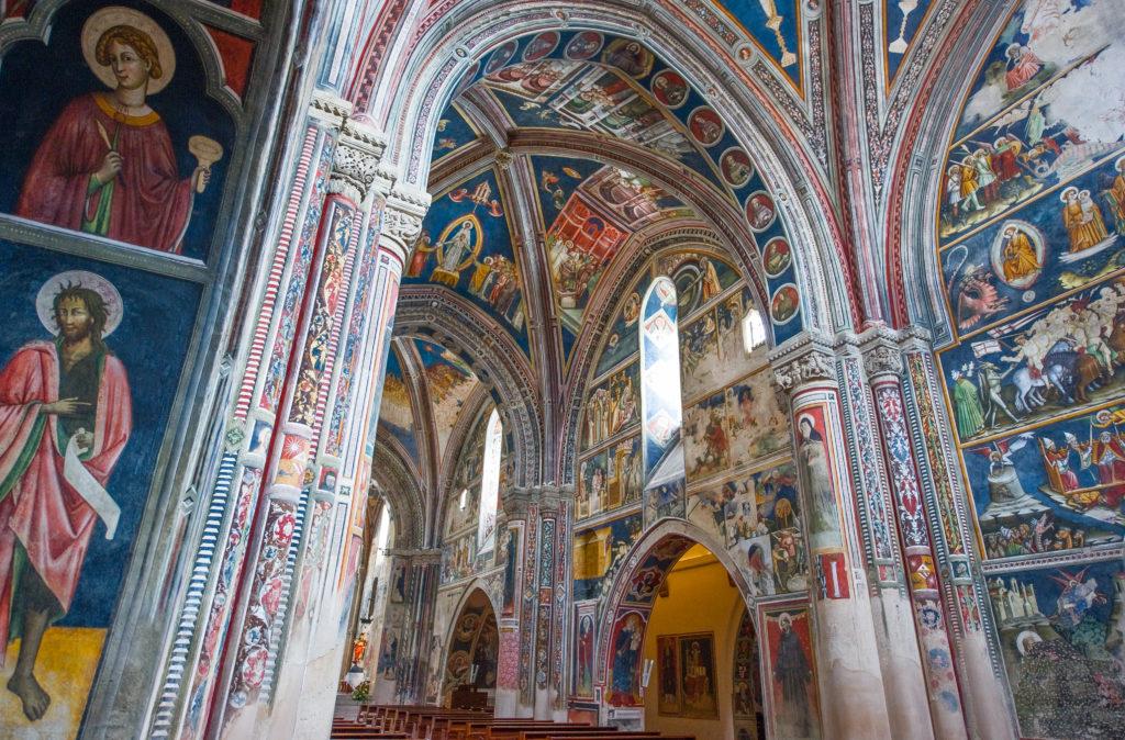 interno chiesa santa Caterina - affreschi